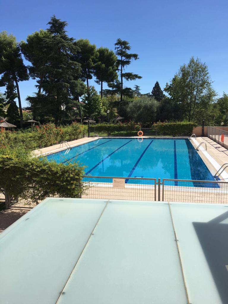 35 fernannunez-zonas-piscina
